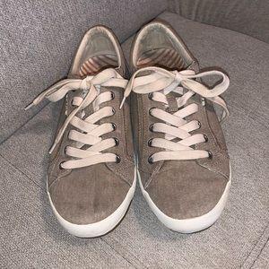 Tao's Linen Star Sneakers
